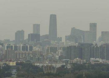 Iako osoba može odlučiti da prestane pušiti, ona ne može izbjeći zagađenje zraka, upozoravaju stručnjaciAFP - Arhiva)